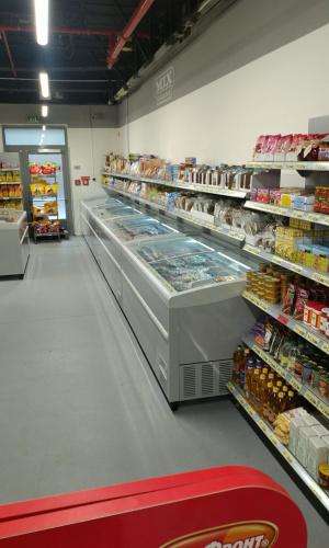 Chladící vitrína bez agregátu - Prodejna Praha